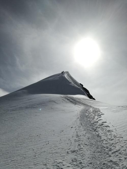 Die letzten 70 Höhenmeter hoch zum Gipfel.