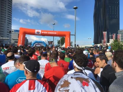Kurz vor dem Start zum Vienna City Marathon 2017 steigt die Spannung beim Rodel Austria Naturbahnrodel Star Bernd Neurauter