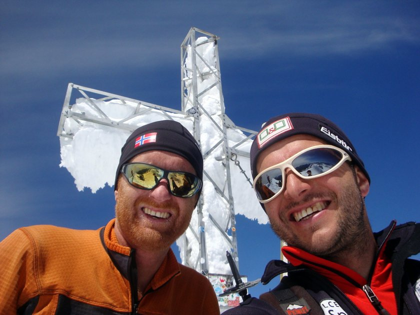 Rodel Austria Naturbahn Trainer Gerhard am Gipfel des Hohen Dachsteins angekommen