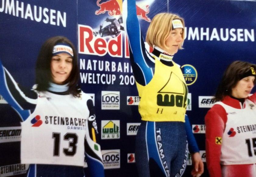 Sonja Steinacher gewann den Red Bull Weltcup im Rennrodeln auf Naturbahn 2000