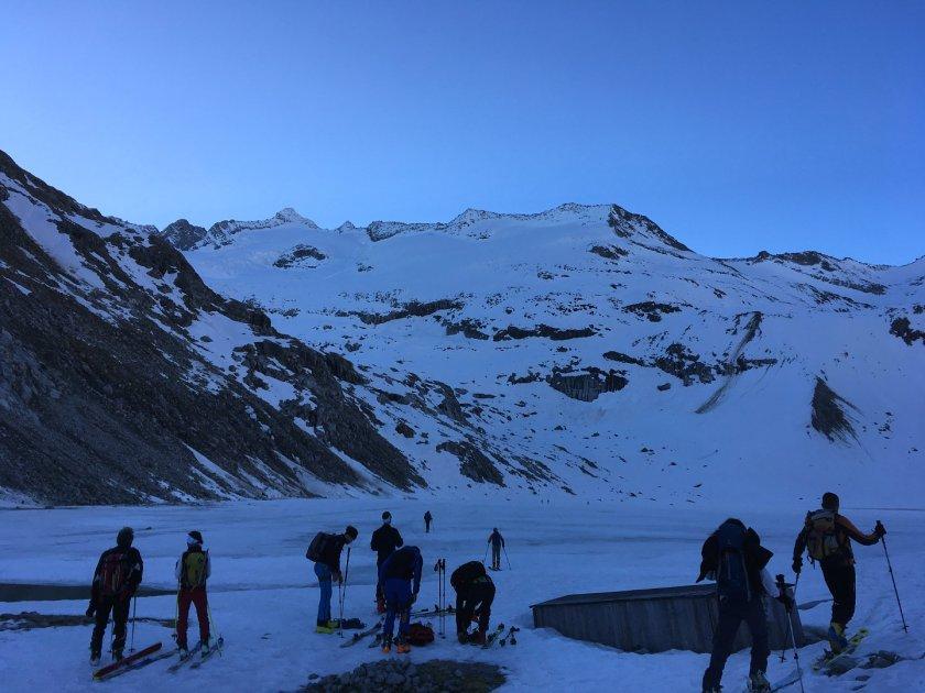 Hier am Gletschersee befand sich früher die türkische Zeltstadt.