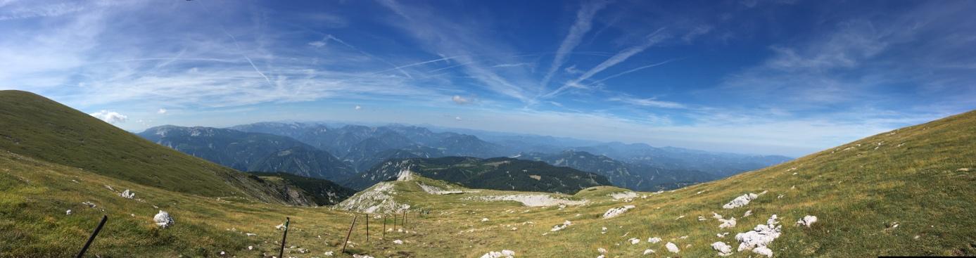 Der Abstieg erfolgt über den Fadenweg. Rodel Austria Naturbahnrodeln