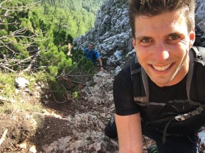 Österreichischer Naturbahnrodler Bernd Neurauter am Nandlgrat in Richtung Schneeberg