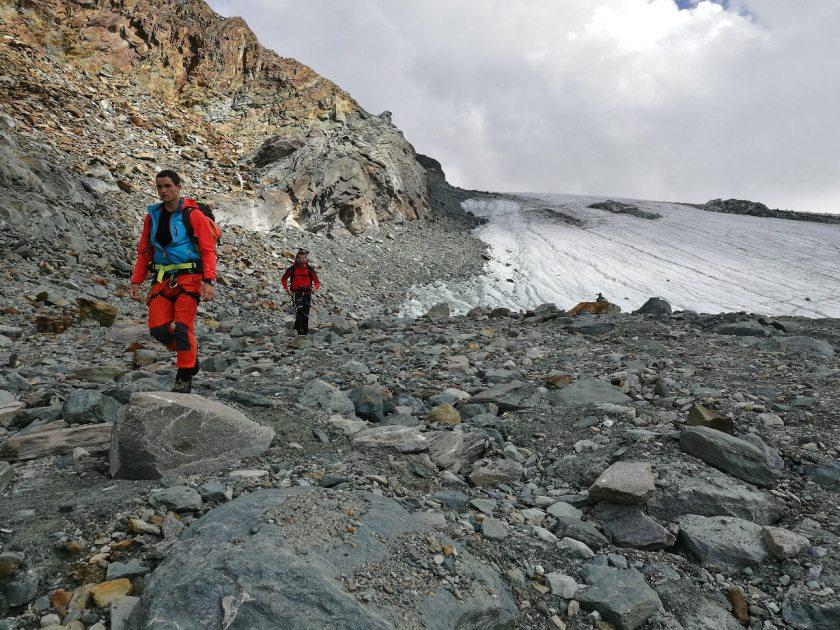 Thomas Kammerlander und Gerhard Mühlbacher kurz unterhalb des Alphubelgletschers