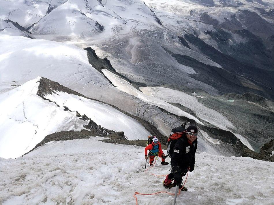 Aufstieg über die Eisnase auf den Alphubel. Süd-Ost-Grat